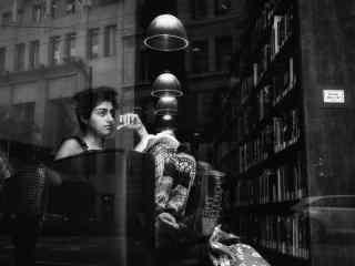 欧美图书馆美女写真壁纸
