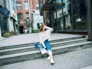 时尚潮流阔腿裤美女街拍壁纸