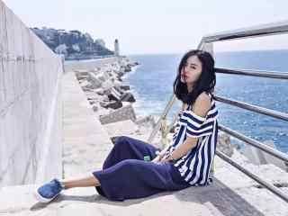 阔腿裤美女时尚写真桌面壁纸
