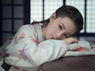 夏日可愛的和服(fu)美女圖(tu)片桌(zhuo)面壁紙