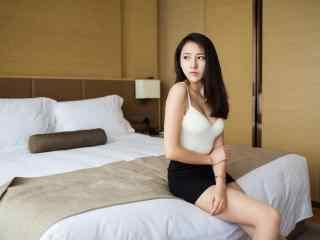 夏日性感美女私房(fang)照片桌(zhuo)面壁紙