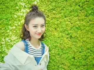 可愛迷(mi)人(ren)的少女景(jing)甜桌面壁紙