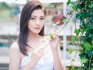 王妍之甜美夏日青春写真壁纸