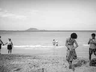 夏威夷沙滩情侣创意摄影壁纸