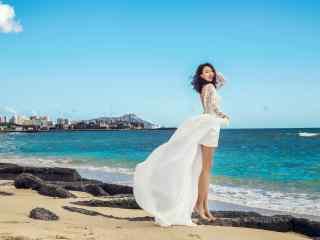 夏威夷沙滩美女高清摄影壁纸