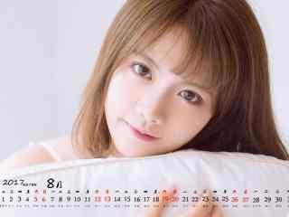 2017年8月日历清新短发美女桌面壁纸