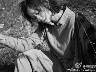 江(jiang)一(yi)燕短發(fa)性感寫真壁紙