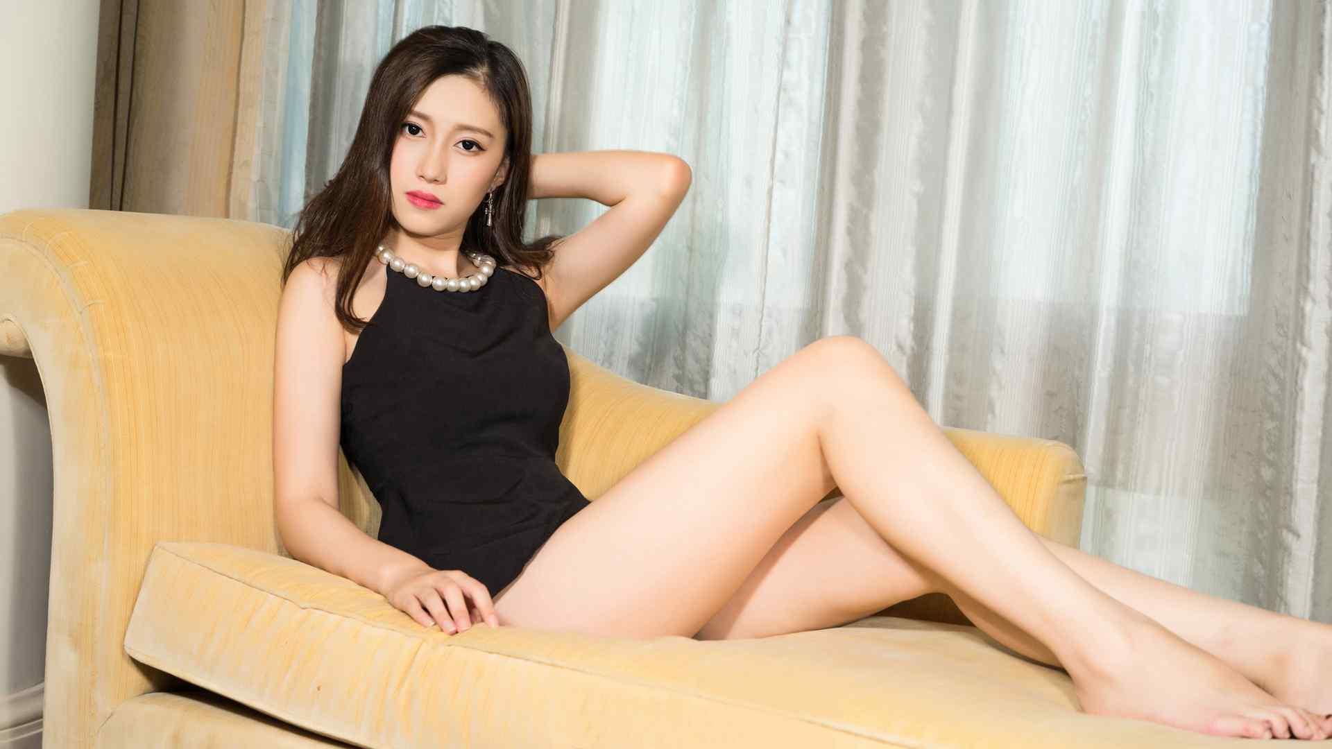 美女壁纸高清黑色衣服性感身材美女芝月壁纸性感黑丝黑丝制服性感女郎