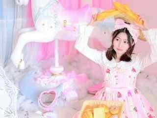 可爱萝莉少女粉色系甜美居家写真高清壁纸