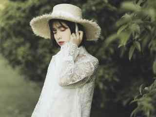 可爱洋气草帽美女高清桌面壁纸