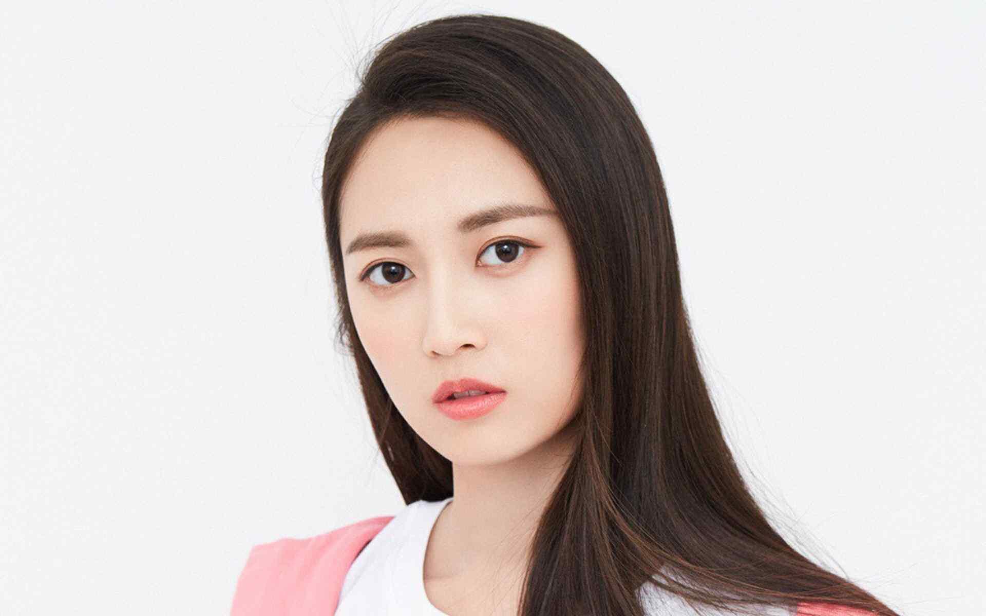 陈钰琪粉嫩甜美壁纸图片