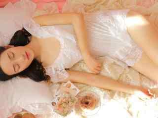 唯美蕾丝美女写真高清图片