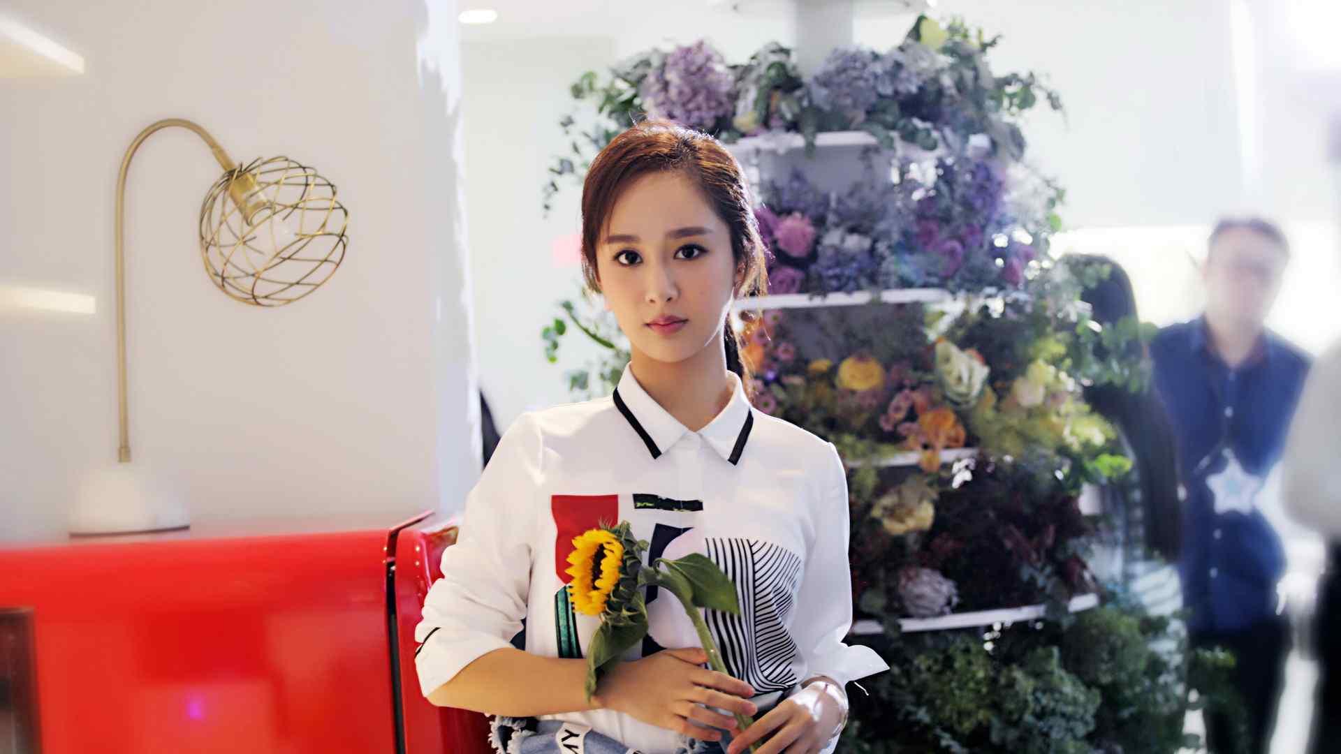 氧气美女杨紫清新文艺写真高清壁纸