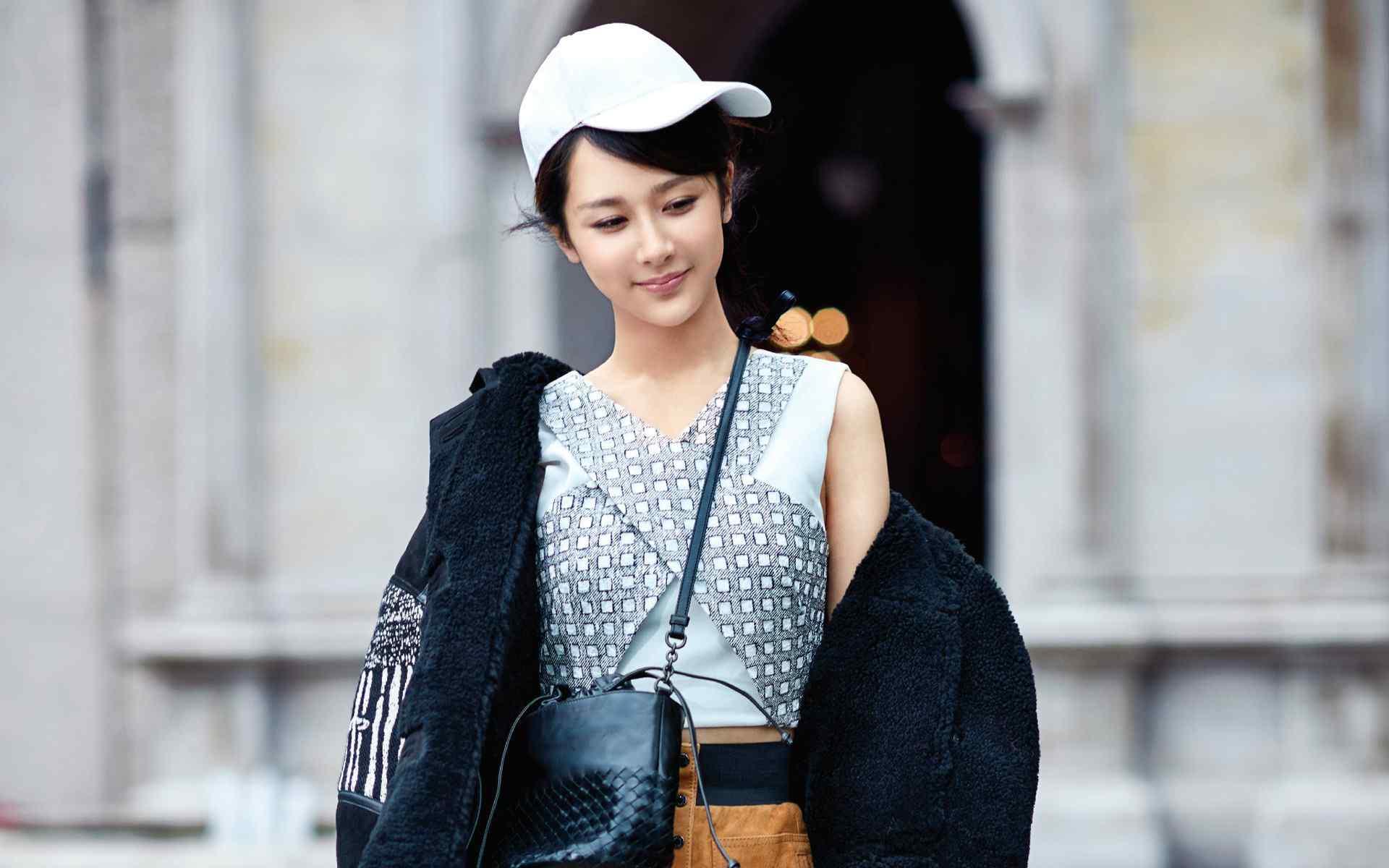 杨紫时尚性感街拍高清壁纸