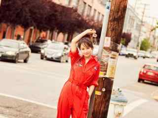 杨紫俏丽可爱短发图片