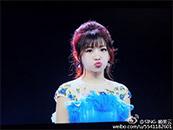 賴美雲(yun)紫色長裙嘟嘴可愛高清壁紙圖片