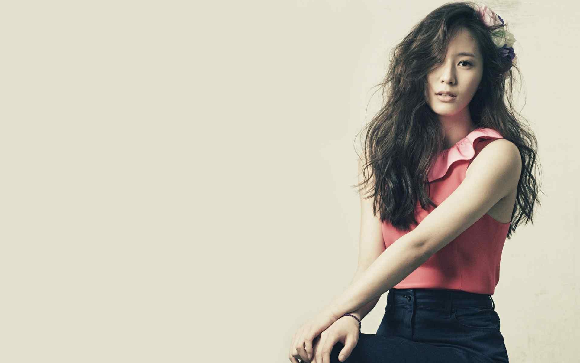 韩国人气明星郑秀晶唯美高清壁纸