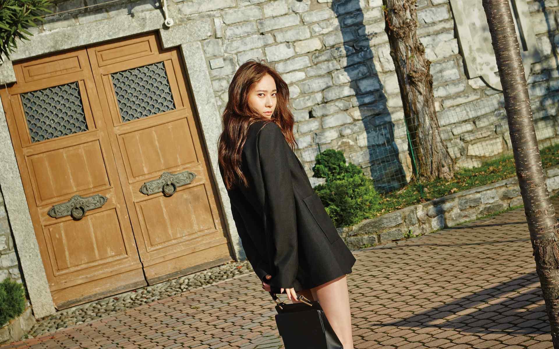 Krystal郑秀晶高清街拍图片壁纸
