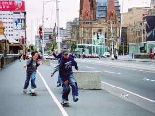 滑板少年街头高清图片桌面壁纸