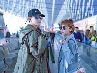机场张翰阚清子时尚街拍桌面壁纸