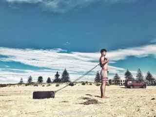 韩东君沙滩帅气写真壁纸