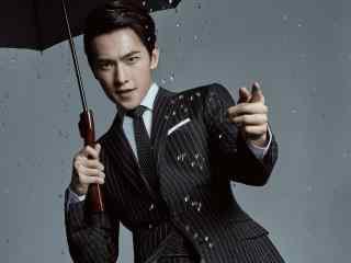 人气偶像杨洋雨中成熟霸气图片写真