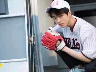 王俊凯棒球写真高
