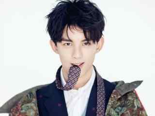 吴磊时尚杂志帅气写真最帅图片