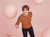 徐海乔清新活泼运动风粉色系壁纸图片