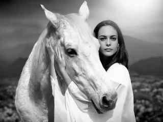 遛马的美女桌面壁
