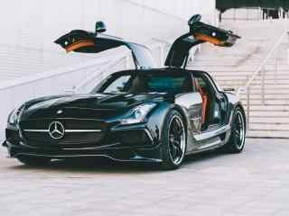 酷炫黑色奔驰跑车
