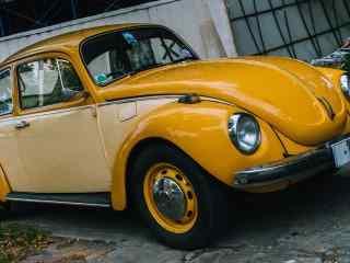黄色复古大众汽车