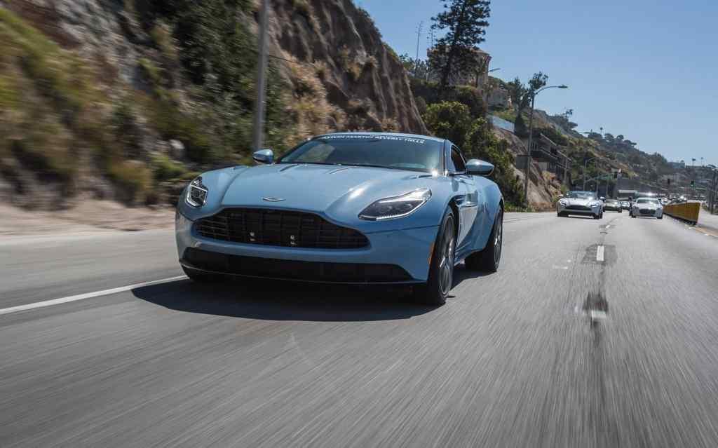 阿斯顿·马丁蓝色汽车壁纸