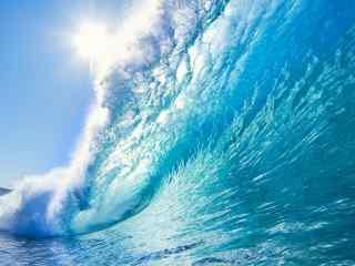 凶猛的海浪唯美风
