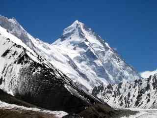 宏伟壮观的乔戈里峰雪山桌面壁纸