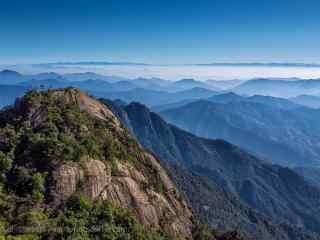 壮丽的三清山顶峰风景桌面壁纸