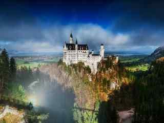 最童话的城堡之圣光中的德国新天鹅城堡