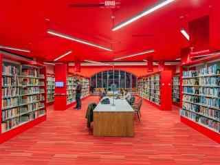 红色图书馆桌面壁