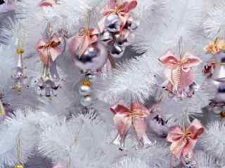 唯美的圣诞节装饰品图片桌面壁纸