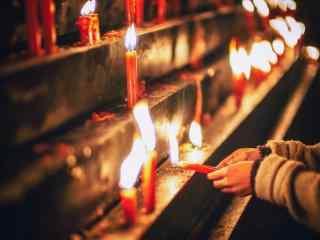 新年红烛祈福图片