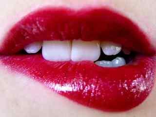 性感的咬唇图片红唇妆桌面壁纸