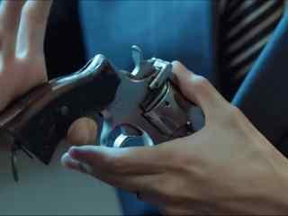 手控福利张若昀玩枪桌面壁纸