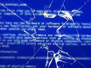 愚人节整蛊蓝屏玻璃破碎桌面壁纸