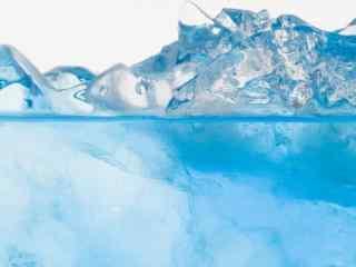 蓝色清凉夏日冰块