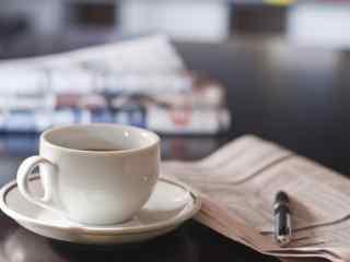 咖啡报纸文艺清