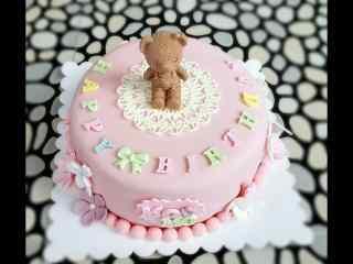 翻糖蛋糕创意小熊粉色可爱桌面壁纸