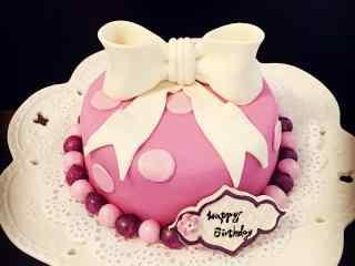 翻糖蛋糕可爱粉色蝴蝶结生日蛋糕桌面壁纸