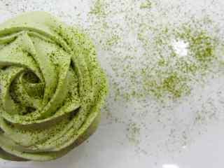 抹茶蛋糕玫瑰花形蛋糕桌面壁纸