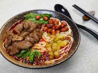 麻辣重庆肥肠小面高清美食壁纸