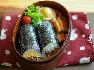 小清新日式饭团便当桌面壁纸